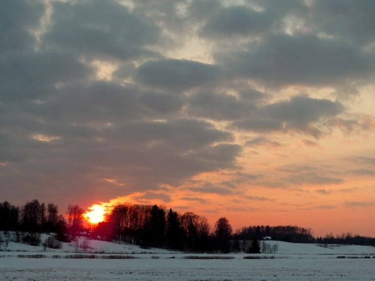 Svētdienas vakara saulriets.