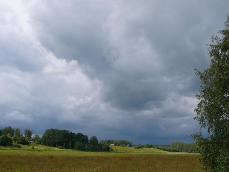 Autors: Migla. Lietus mākoņi Allažos 21.07.