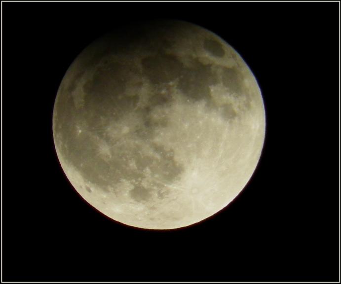 Autors: gubumākonis. Pilnmēness daļējs aptumsums 25.04.