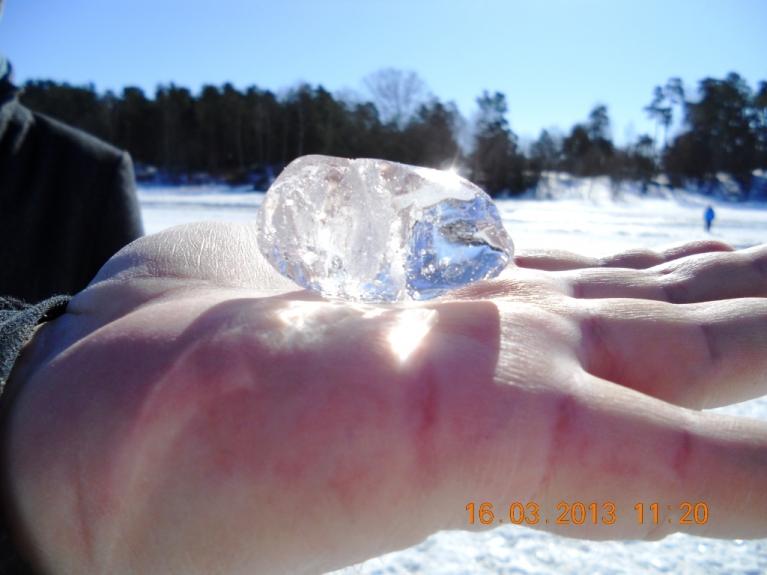 Autors: Biruta. Uz jūras ledus mētājās absolūti caurspīdīgi, pilnīgi dzidri ledus kristāli, 16.03.
