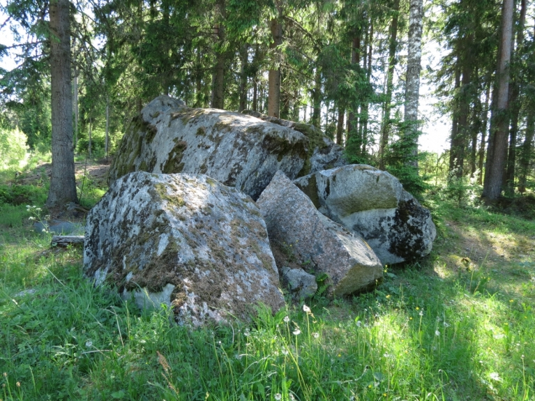 Kā arī Velna pēdas akmens