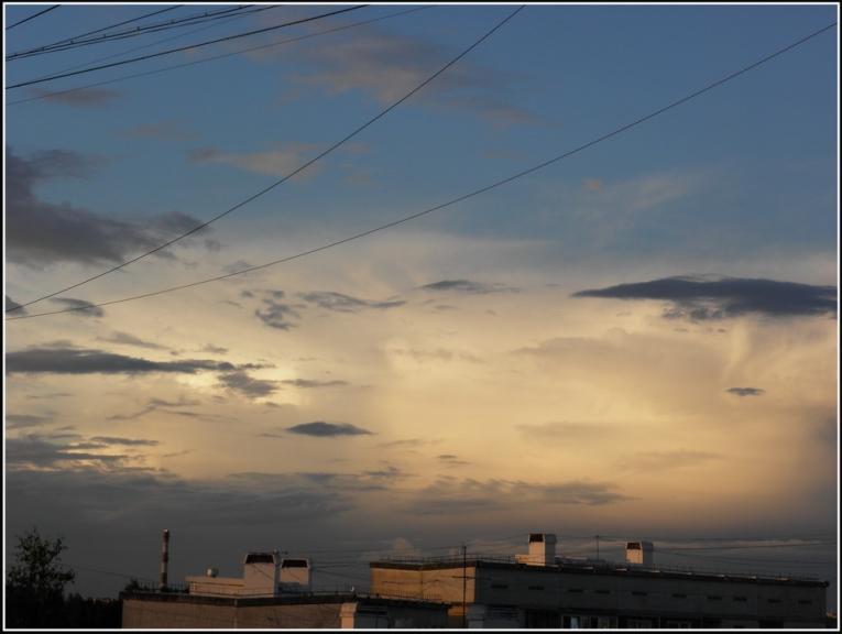 Foto: gubumākonis. Mākoņi un garamejoši negaisi (22.06.)