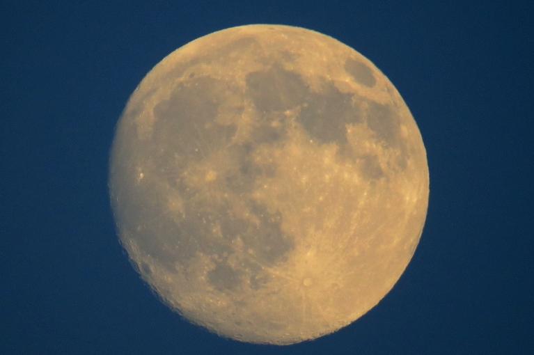 Pēc pāris dienām - pilnmēness, esiet uzmanīgi un mierīgi:)))