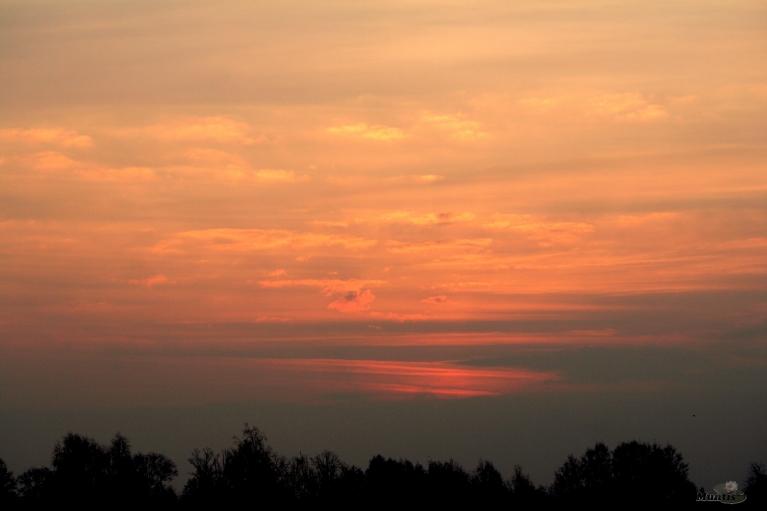 Rīts atnāca ar +4 un tumšu pamali.