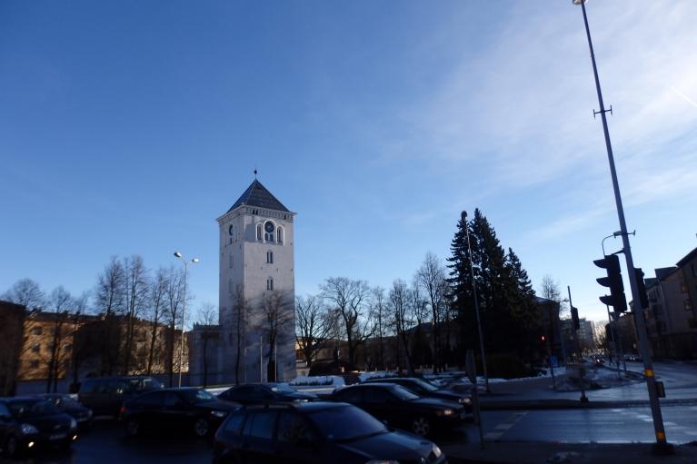 Jelgava šodien saules un pavasara pilsēta.