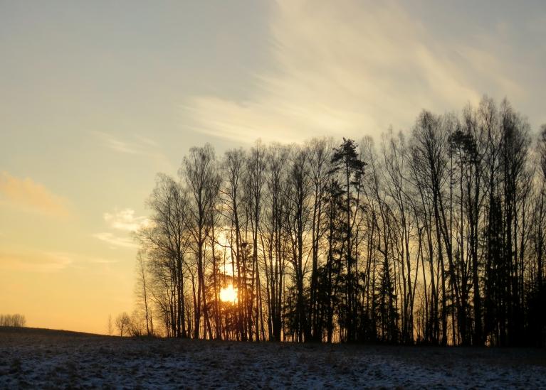 """Šorīt beidzot atkal """"vaigā"""" redzama saulīte."""