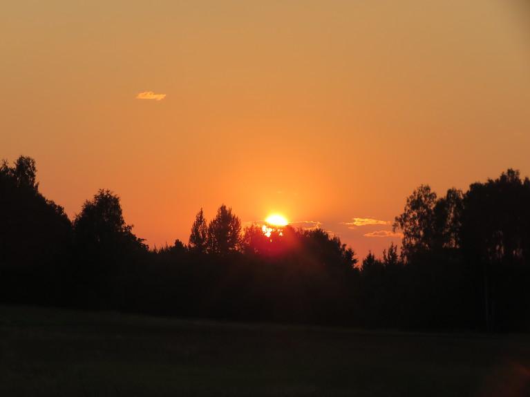 Nedaudz vieglāk var justies tik pēc saules rieta.