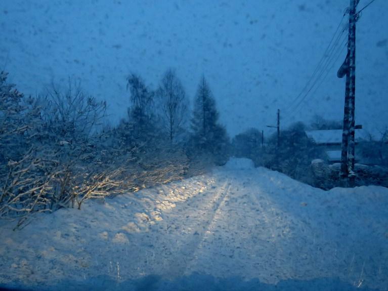 4. februāra rīts, atkal snieg.