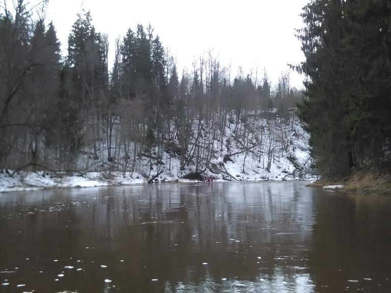 Ogres krastos vēl daudz sniega saglabājies.
