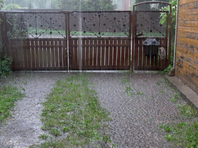 Septembris. Lietusgāze un negaiss.