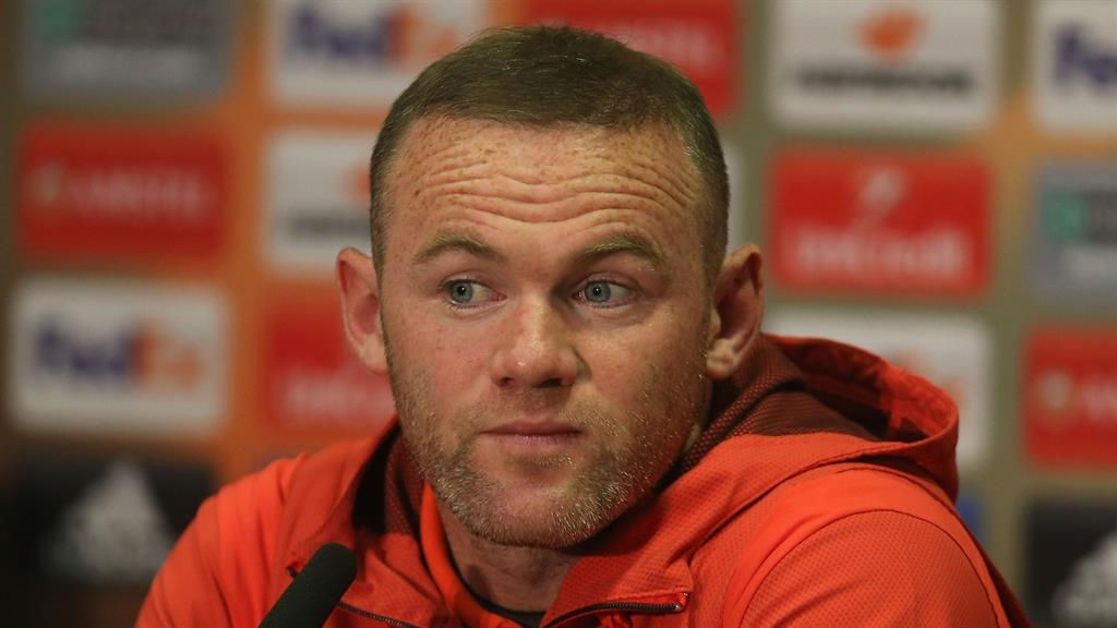 Chinese move in jeopardy for Man Utd captain Rooney - due to Coleen