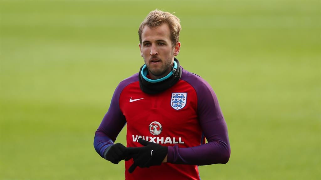 Kane admits he needs to up his England game