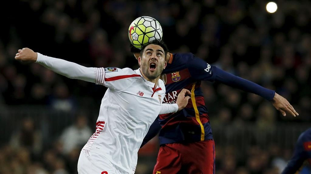 Leicester set to swoop for Sevilla midfielder Iborra