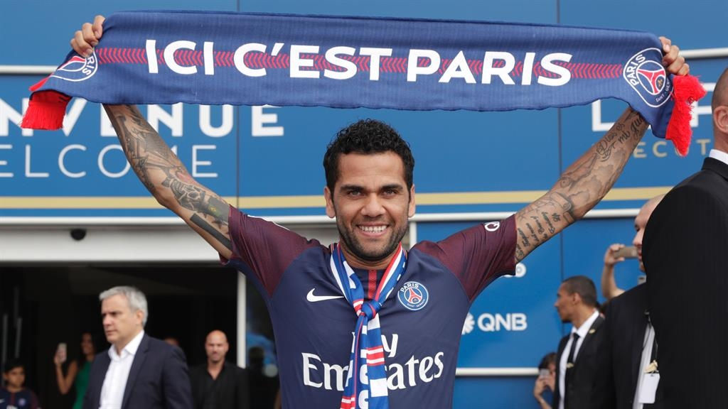 Dani Alves takes shots at Manchester City and Pep Guardiola