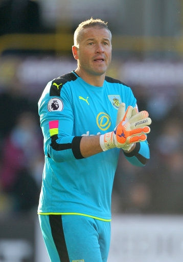 Former England goalkeeper Paul Robinson retires from football