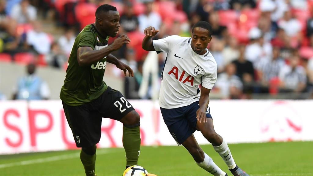 Walker-Peters signs new Tottenham deal until 2020