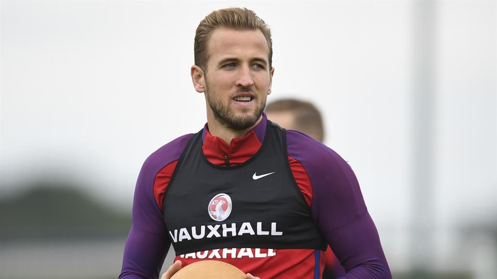 Harry Kane Aiming to Match Messi & Ronaldo's Goalscoring Exploits Claims Gareth Southgate
