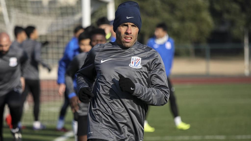 Tevez dropped by Shanghai Shenhua for being 'overweight'