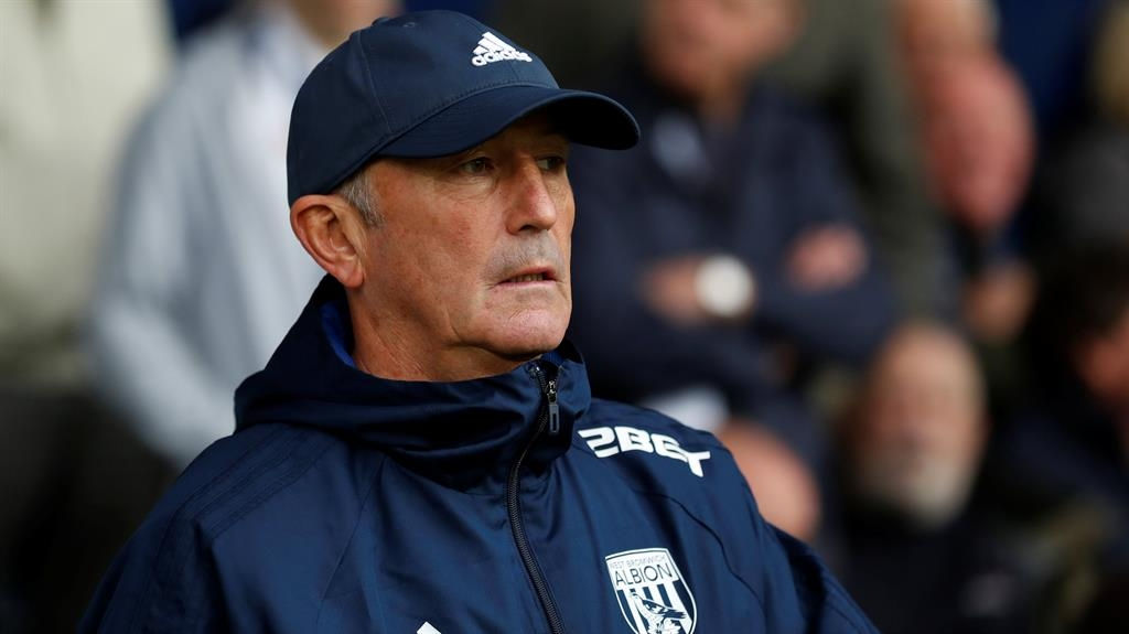 West Brom boss Tony Pulis dismisses talk of taking Wales job from Chris Coleman