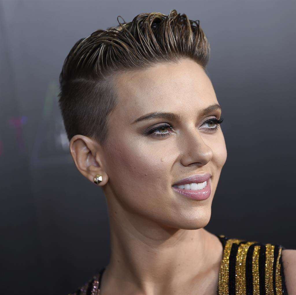 Scarlett Johansson wants to meet 72-year-old doppelganger