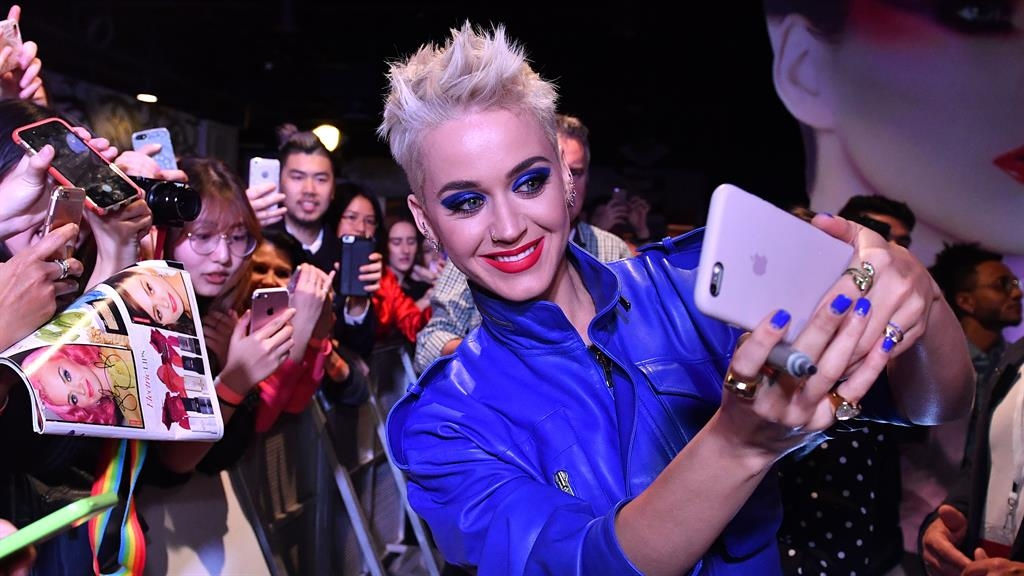 Katy Perry brands Niall Horan a stage five clinger