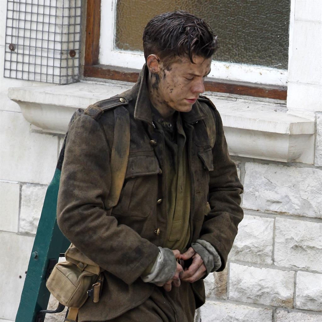 Harry Styles' Dunkirk character breaks silence in new teaser trailer