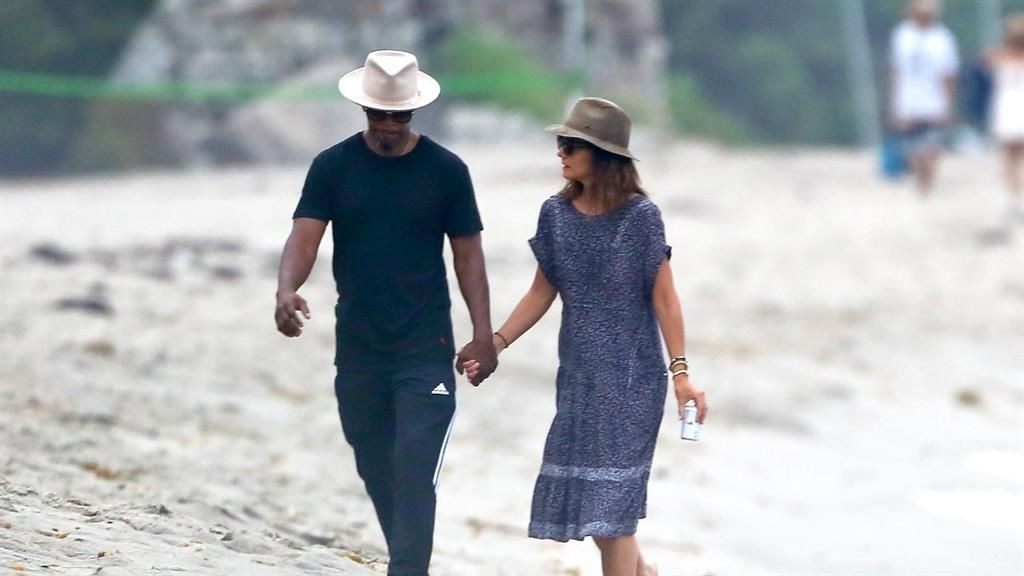 Jamie Foxx and Katie Holmes, hand-in-hand, take Malibu by storm