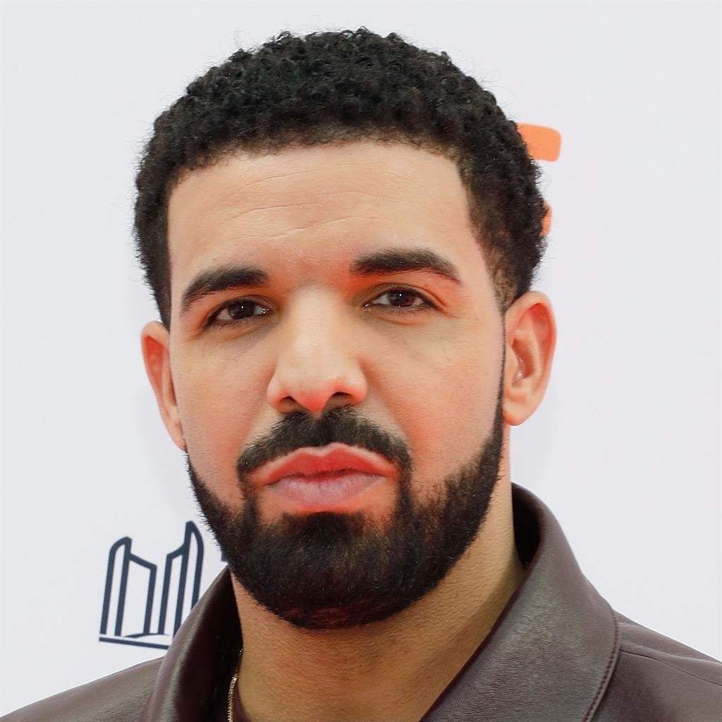 Drake's cozy 'dinner date' with Bria Vinaite