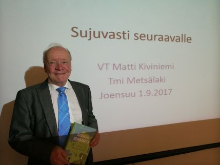 Matti Kiviniemi ja Sujuvasti seuraavalle -kirja