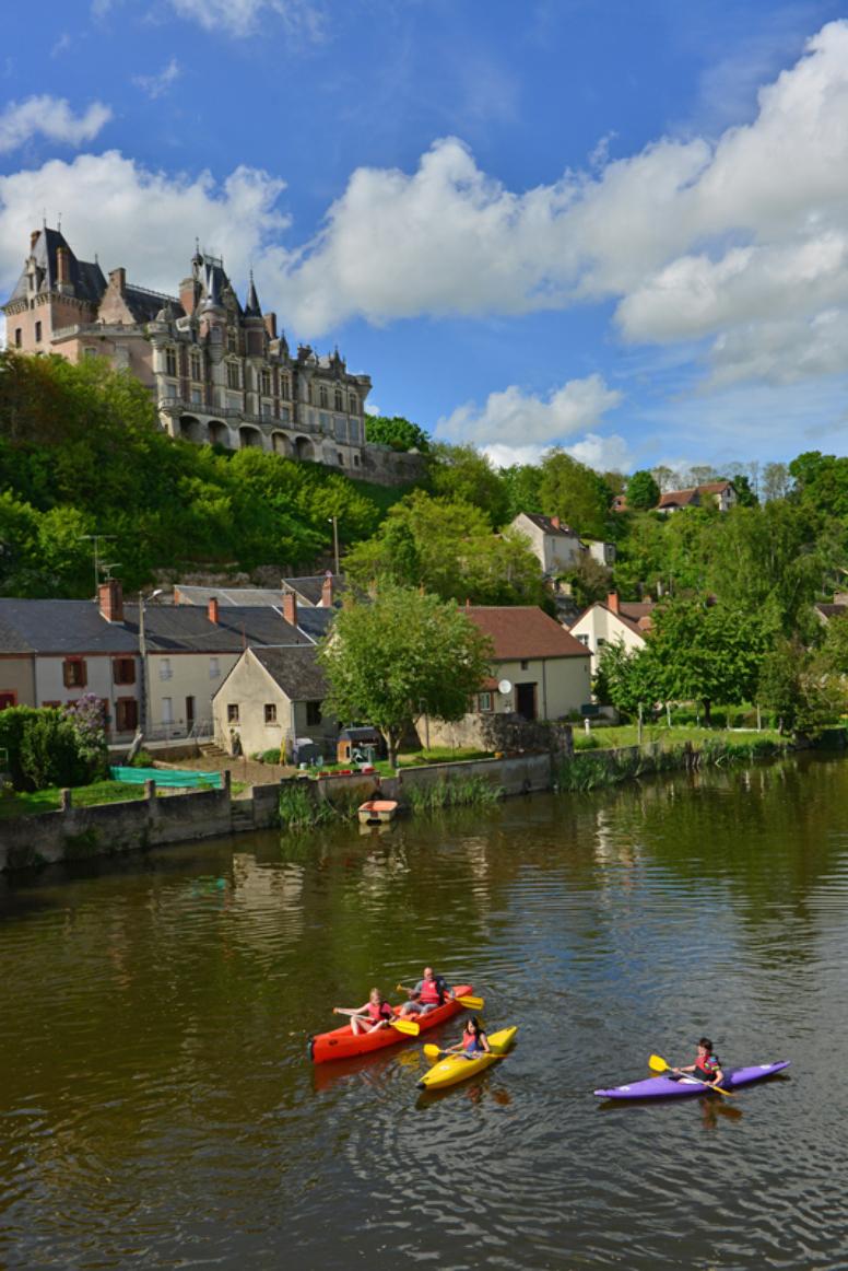 P.FORGET - Le château de Montigny-le-Gannelon
