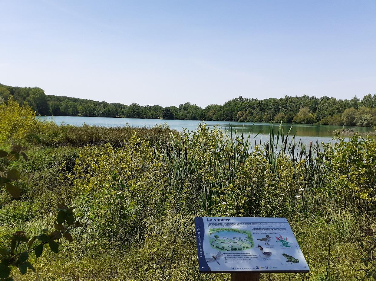 cd28 - Sentier entre plans d'eau de Fonteanay et forêt