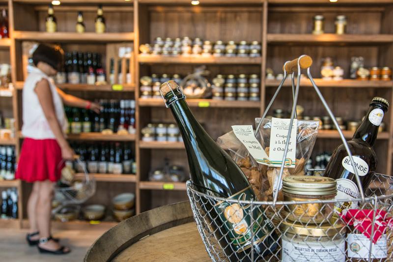 Patrick Forget - www.sagaphoto.com - Le marché gourmand de maître cochon