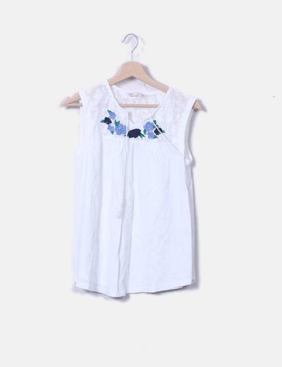 d59357d6b2b2 Sfera Weiße Bluse mit Stickerei (Rabatt 77 %) - Micolet