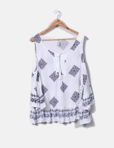 Blusa blanca estampada hombros descubiertos Amisu