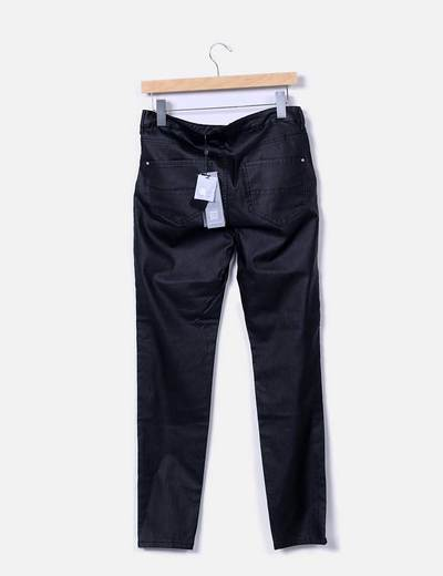 Pantalon negro encerado con cremalleras