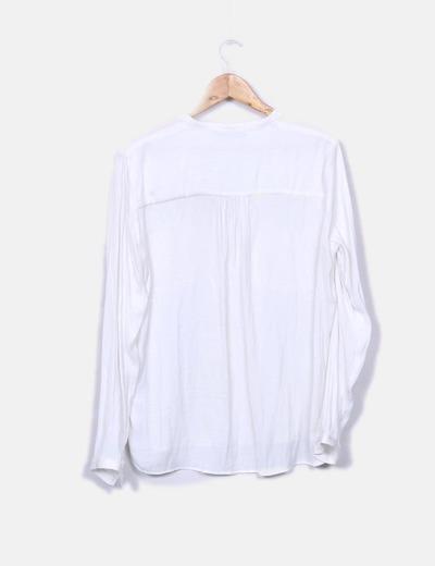 Camisa blanca saten con bolsillos