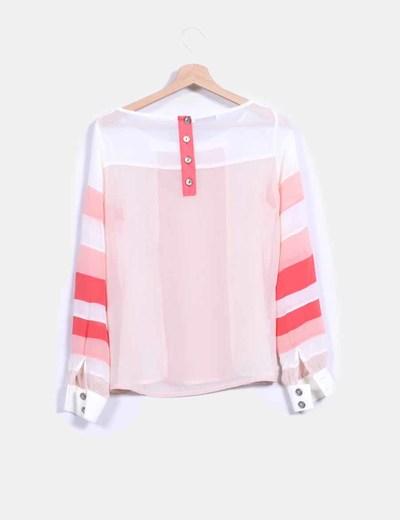Blusa semitransparente blanca y coral