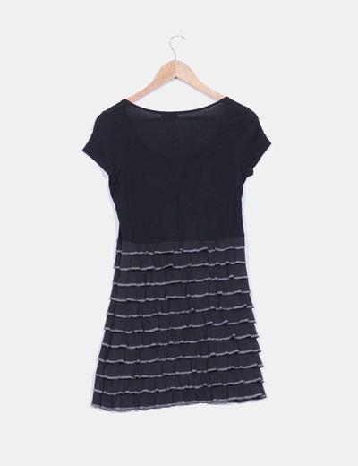 Vestido negro avolantado manga corta