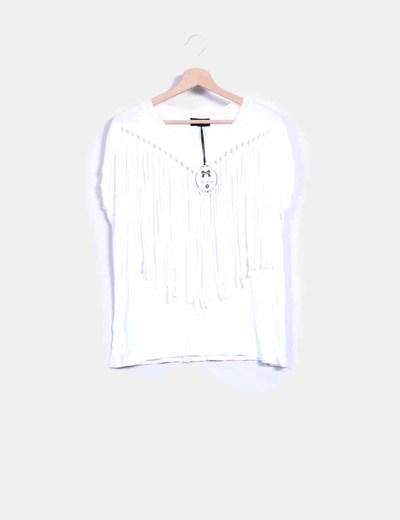 Camiseta blanca con flecos Danity