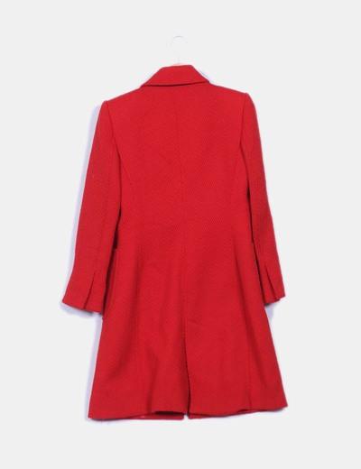 Abrigo rojo texturizado