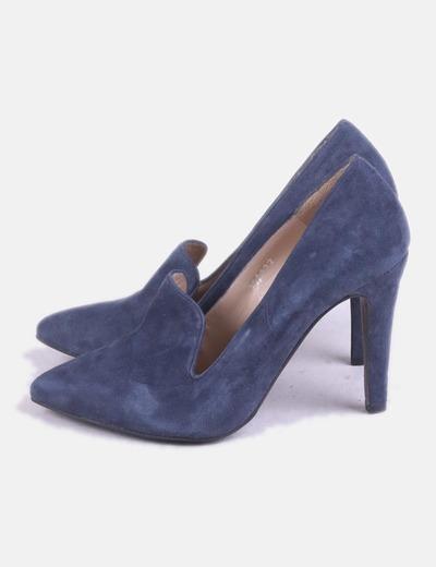 Zapato de tacón azul ante