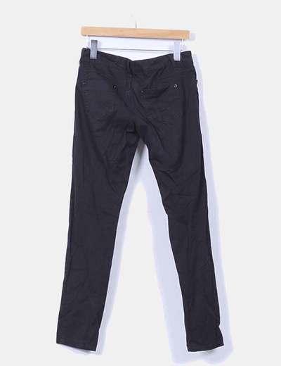 Pantalon negro con rayas extra skinny