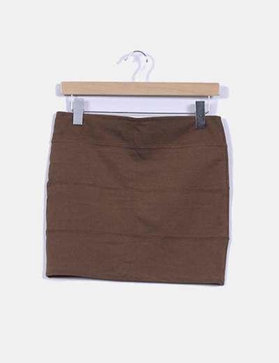 Falda básica marrón detalle capas Stradivarius