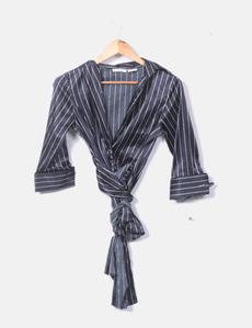 Blusa satinado negro con escote cruzado Zara f6728c438bc