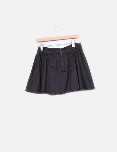 Mini falda negra con lazo