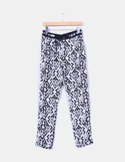 Pantalón baggy blanco y negro Bershka