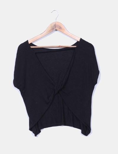 Blusa negra escote en espalda Bershka