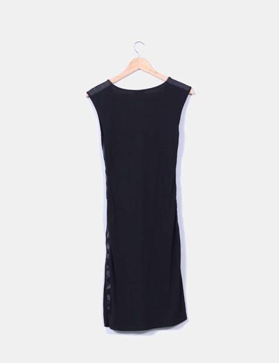 Vestido midi negro escote en pico