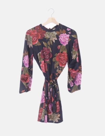 Vestido satinado negro floral