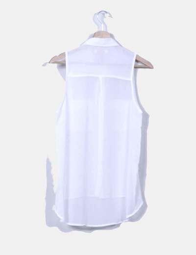 Blusa blanca sin mangas transparente